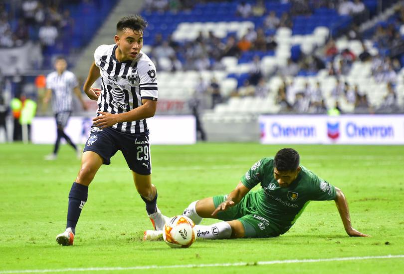 La joya de Rayados y del futbol mexicano, pareciera que lleva años jugando en el máximo circuito a sus 22 años apenas.