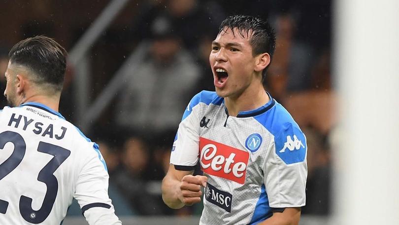 Hirving Lozano volvió a marcar en la Serie A y lo hizo ante Milan en San Siro