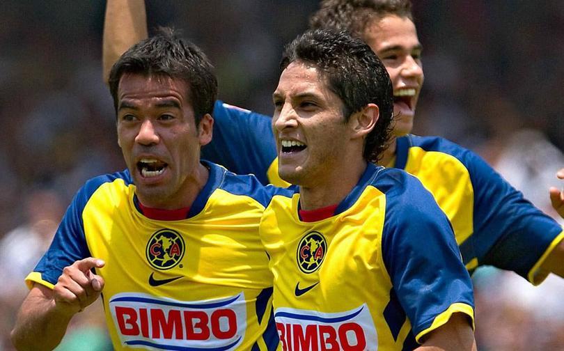 Angel Reyna celebra un gol en 2011 cuando fue campeón de goleo