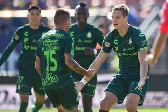 Cruz Azul y LAFC van por un crack de Santos