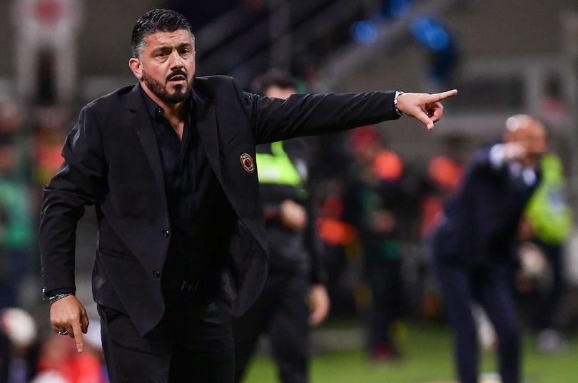 Chucky Lozano podría tener técnico campeón del mundo en Napoli