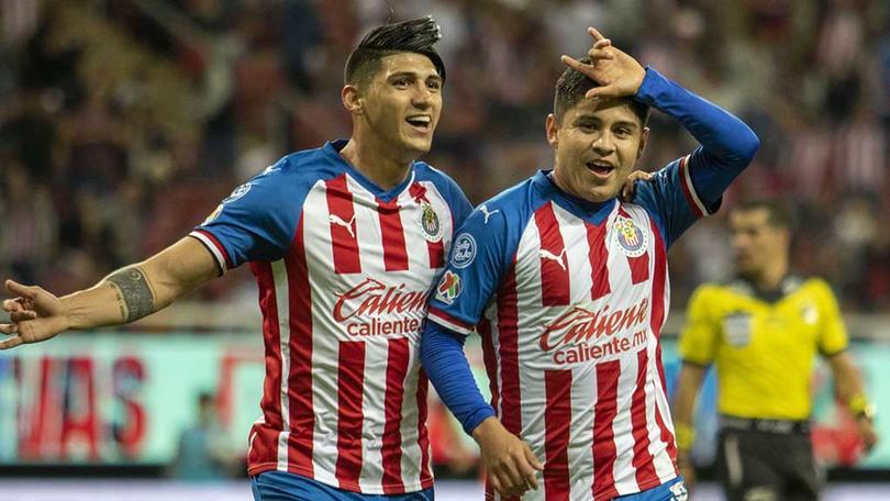 Alan Pulido y Eduardo López