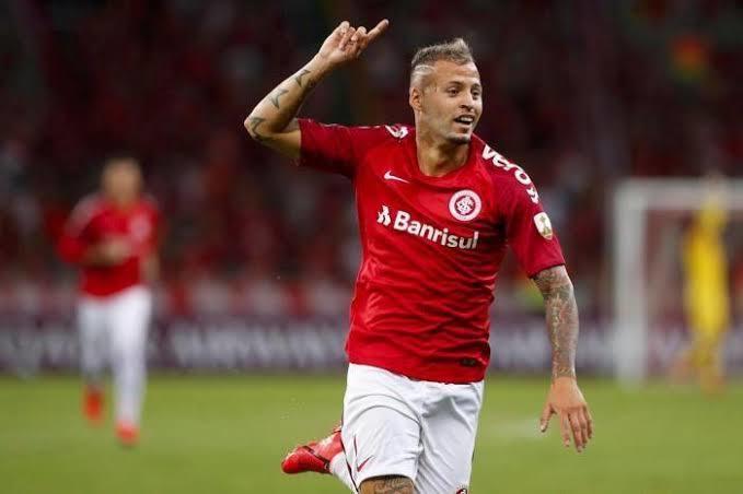 Nicolás López fue captado con el jersey de Tigres