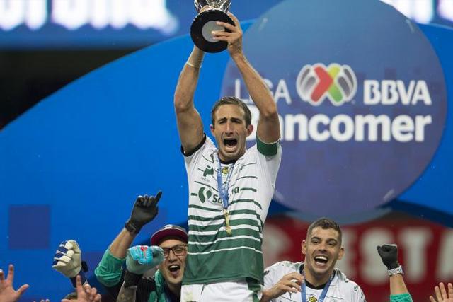 Carlos Izquierdoz está cerca de regresar a la Liga MX con el América