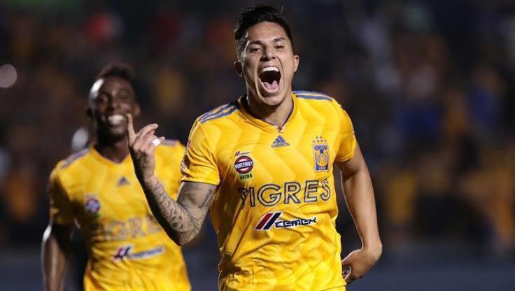 Carlos Salcedo podría regresar al futbol europeo