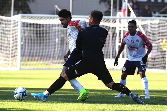 Oribe metió un gol en la victoria de Chivas