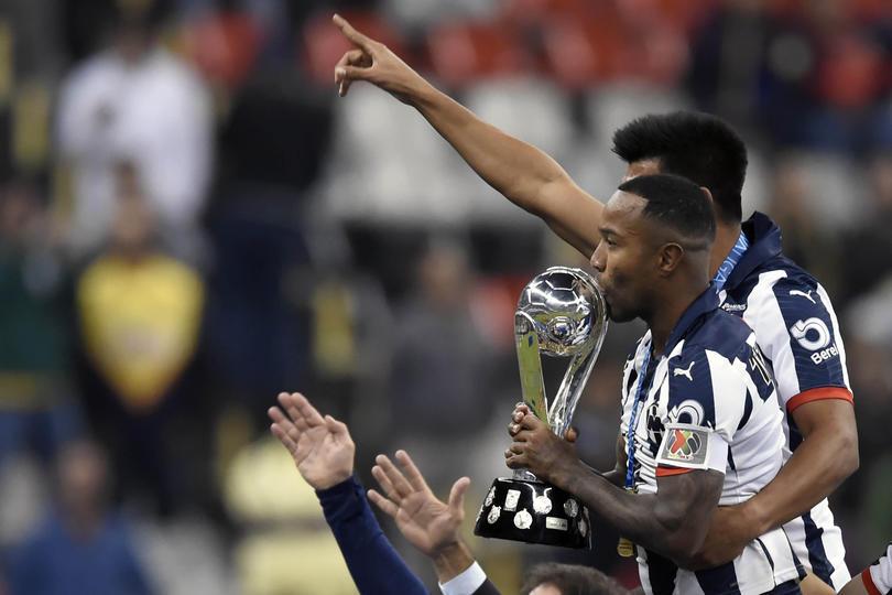 Pabón levanta el título de campeón con Monterrey