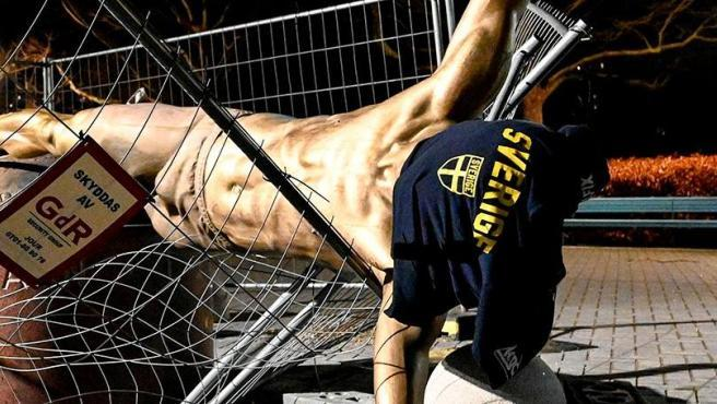 Estatua de Zlatan Ibrahimovic