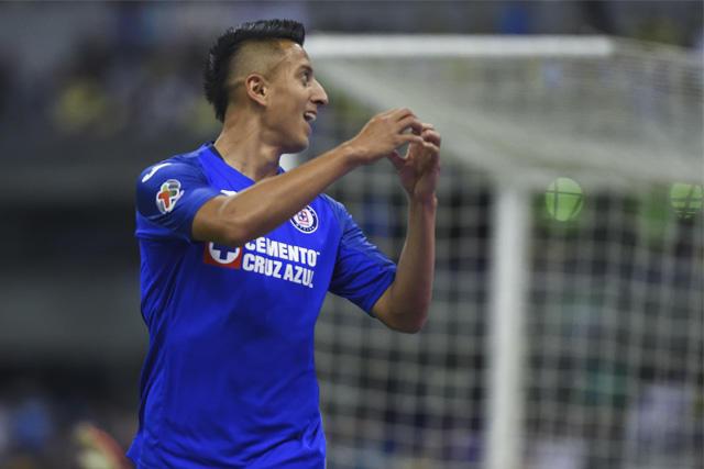 Roberto Alvarado podría llegar a la Premier League