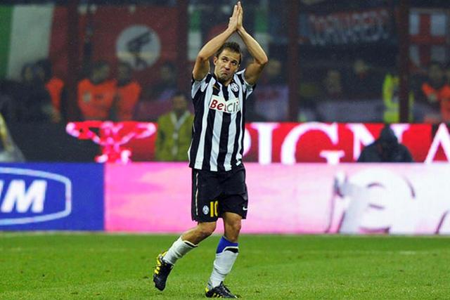 Alessandro del Piero jugará con el Barcelona de Ecuador en su presentación