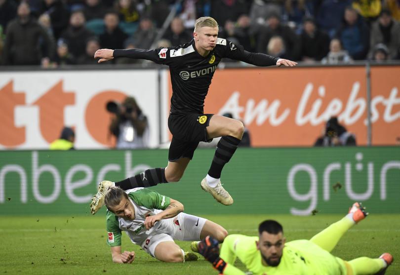 Erling Haaland en su debut con el Borussia Dortmund ante Augsburg