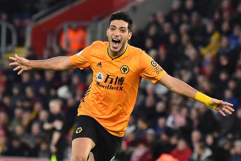 Raúl Jiménez anota doblete con Wolverhampton y se convierte en máximo goleador del equipo en Premier League