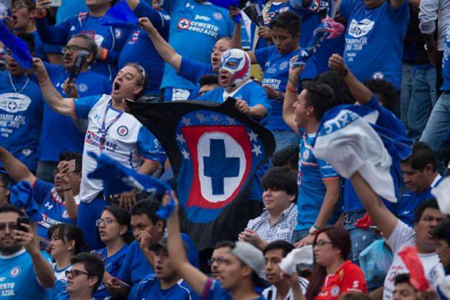 Aficionados del futbol tienen mayor riesgo de sufrir un infarto