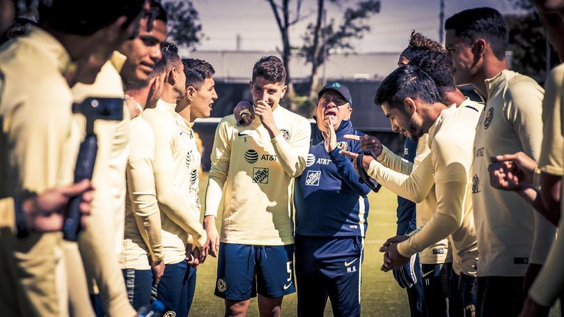 Santiago Cáseres en su primer entrenamiento con América