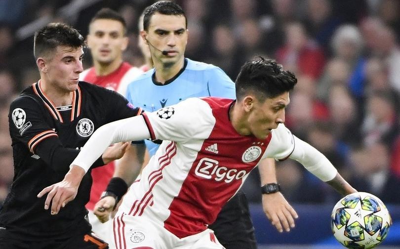 Edson aún trata de mantener su nivel en el Ajax