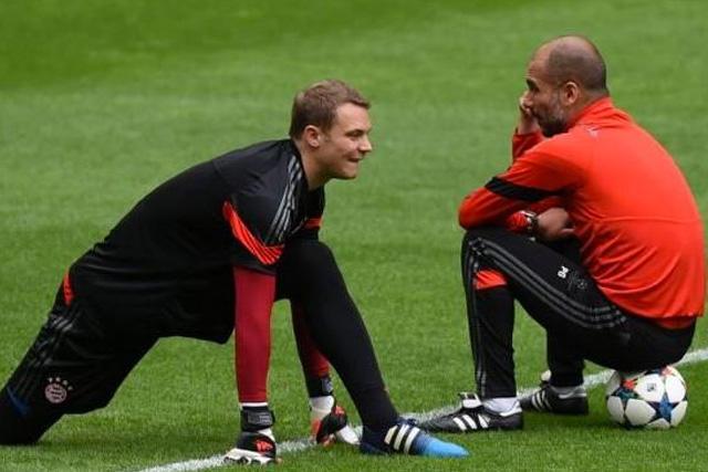 Guardiola pensó en usar a Neuer como mediocampista