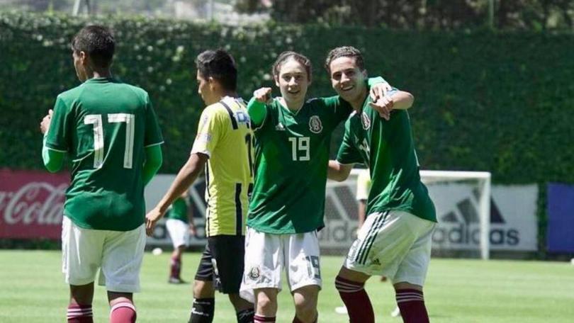 La joya mexicana del Arsenal se manda un golazo