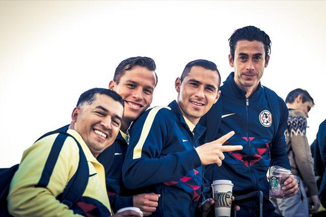 Jugadores del América antes de salir hacia Guatemala