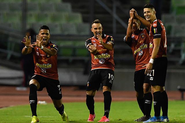 Los jugadores del Caracas festejaron al estilo Dragon Ball