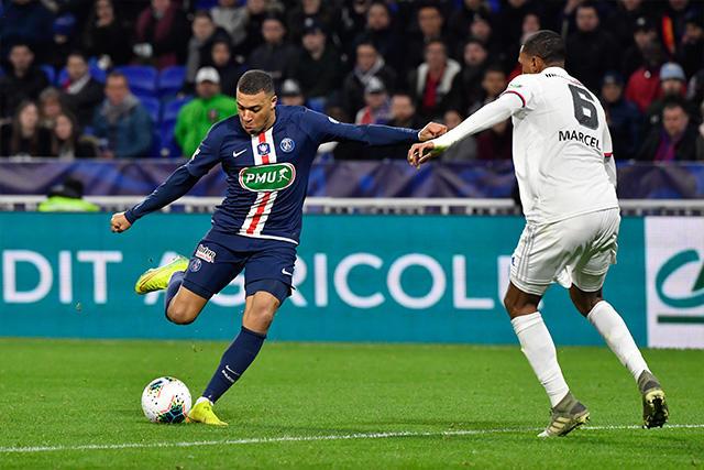 Mbappé se aventó un golazo a lo Ronaldo Nazario