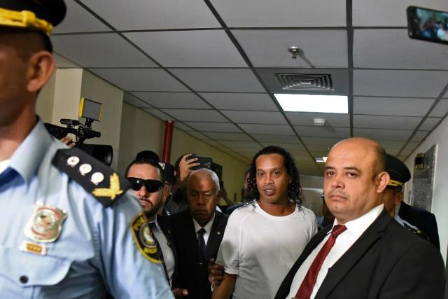 Ronaldinho es el fichaje bomba que quieren todos los equipos en prisión
