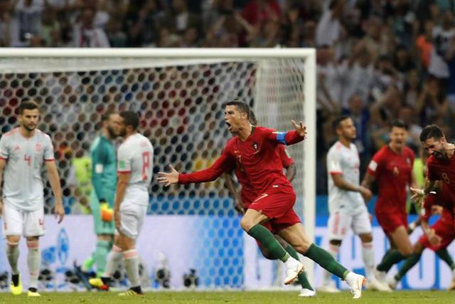 Cristiano Ronaldo anotó un hat-trick contra España