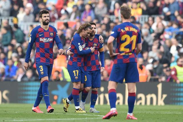 Jugadores del Barcelona se bajarían 30% de su sueldo