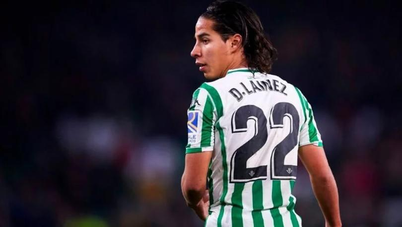 Holanda o España podrían ser el próximo destino de Diego Lainez