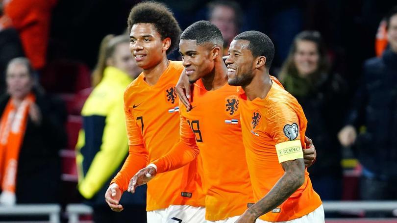 Stengs y Boadu jugando con la Selección Holandesa