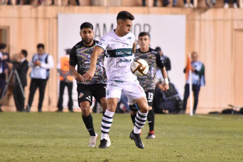 Jugadores de Alebrijes y Zacatepec disputan la final de la Liga de Ascenso