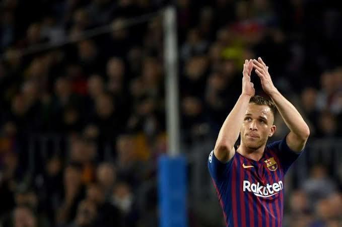 Arthur podría dejar al Barcelona