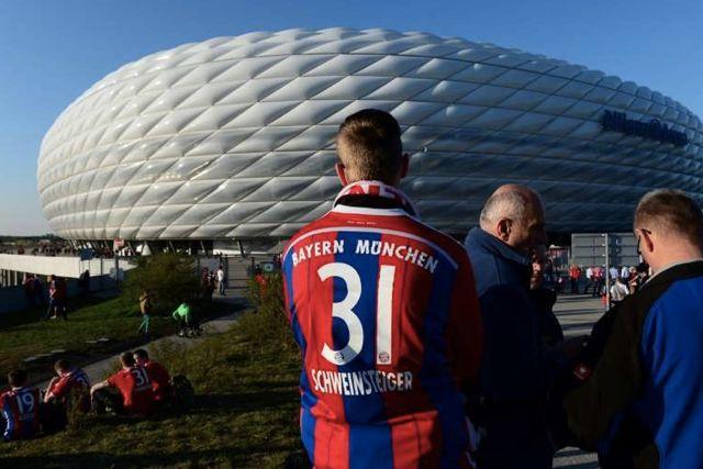 Bundesliga se jugaría con 213 personas en los estadios