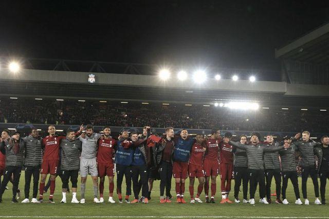 Celebración de Liverpool y la afición en Anfield