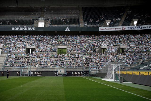El Mönchengladbach tendrá el apoyo de más de 12 aficionados de cartón en el regreso de la Bundesliga