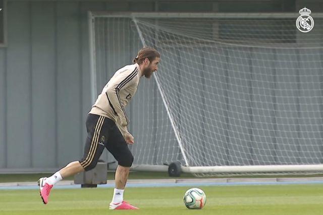Sergio Ramos en el primer entrenamiento del Real Madrid tras el parón por el Covid-19