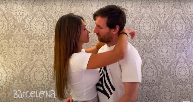 Messi y Antonella en el video de Residente
