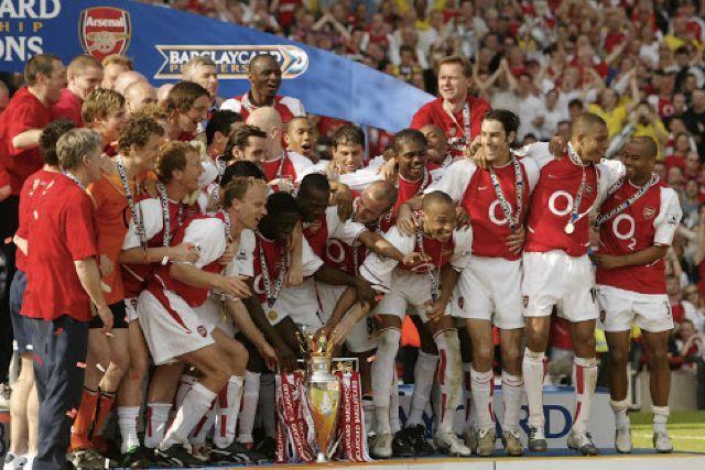 Arsenal campeón invicto de la Premier League en 2004
