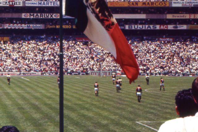 Inauguración del Estadio Azteca el 29 de mayo de 1966