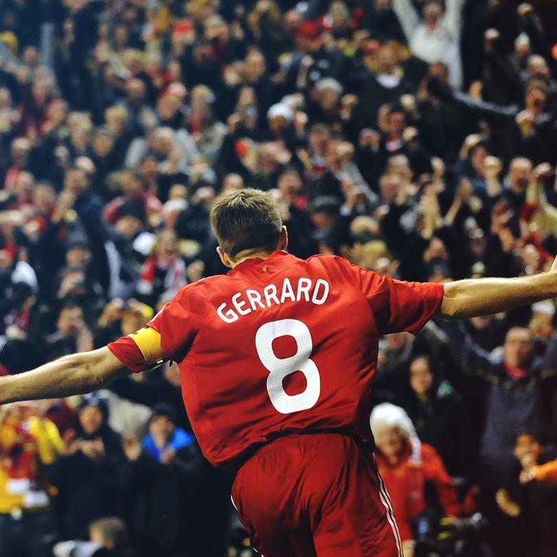 Steven Gerrard celebrando durante un juego del Liverpool