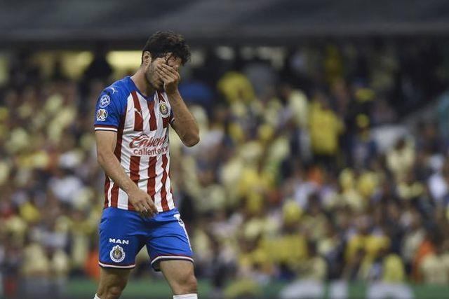 Antonio Briseño sería la primera baja de Chivas