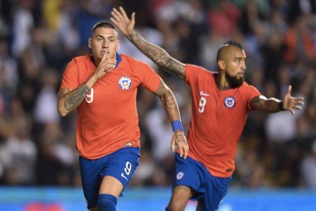 Nico Castillo y Arturo Vidal