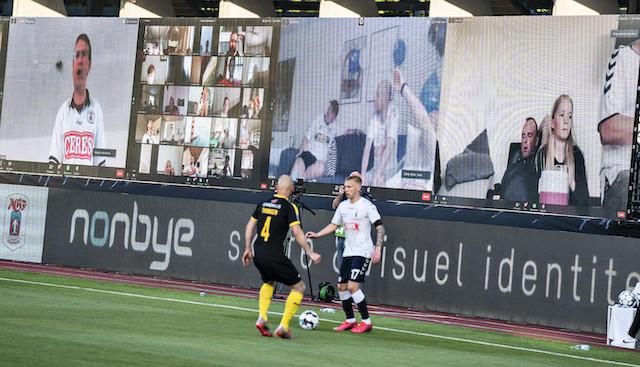 Aficionados de la Premier League estarían en el estadio a través de pantallas gigantes