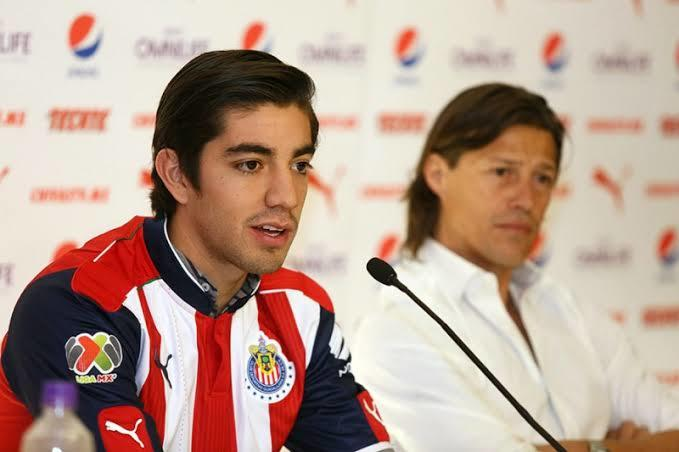 Pizarro volvería a Chivas si Almeyda regresa