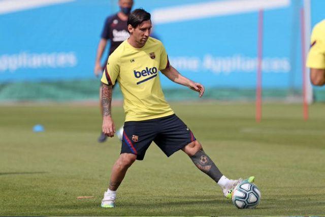 Lionel Messi sufrió una contractura en el cuadriceps de la pierna derecha
