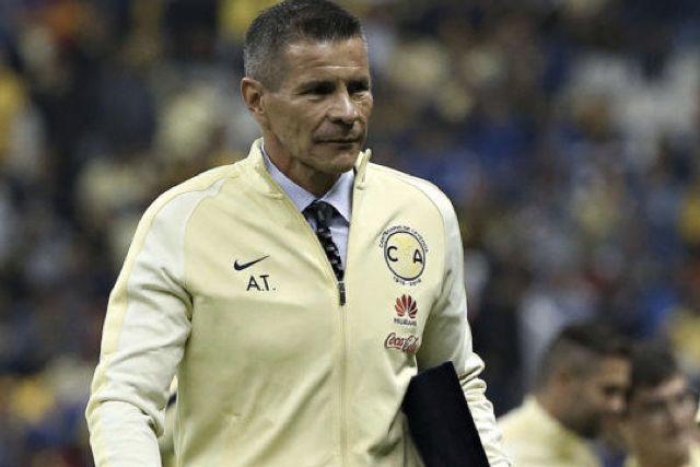 Alfredo Tena podría dirigir a la Selección de Panamá