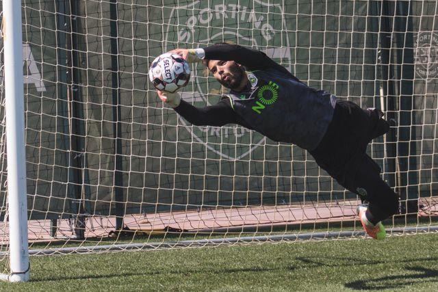 Luis Maximiano podría ser nuevo portero del Barcelona