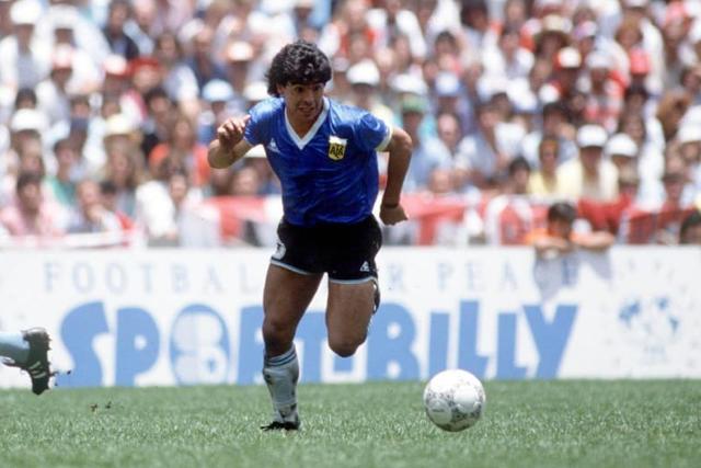 Diego Maradona ante Inglaterra