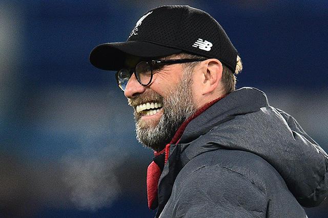 Jürgen Klopp se apoderó de la pista en los festejos del Liverpool
