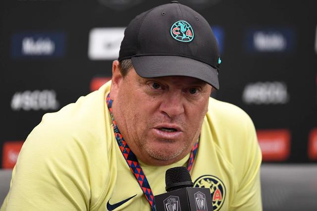 Miguel Herrera acepta que estaría dispuesto a dejar al América por el Betis