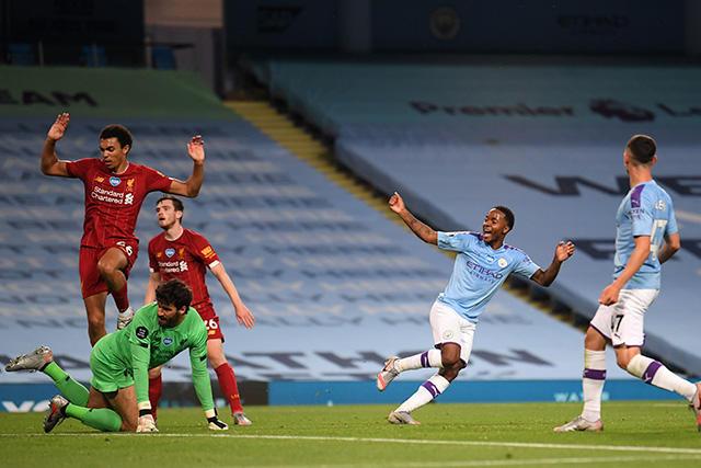 Manchester City goleó 4-0 al Liverpool en su primer partido como campeón de la Premier